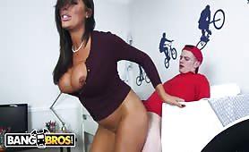Big Tits Stepmom Ava Koxxx Puts Sam In His Muthafuckin' Place