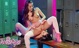 Stunning Babe Brooklyn Gray's Sexy Strip Dance Makes Her Play With Herself